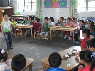 诚心村组织儿童庆六一