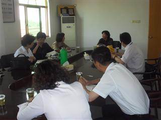 """吴江市图书馆来我村进行""""党员干部进万家""""活动"""
