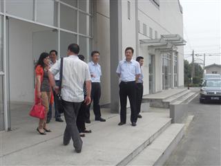 苏州市民政局领导前来我村参观指导老年活动室建设