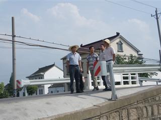 黑龙村接受吴江市农村村庄环境整治验收