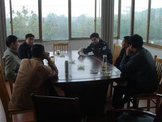 新湖村举办警民恳谈会