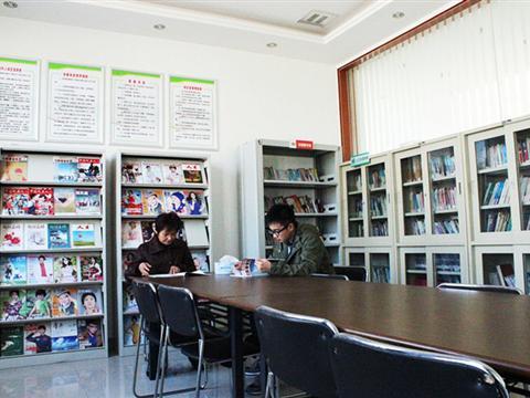 双湾村图书室