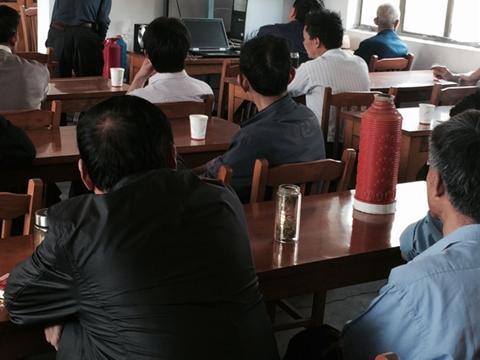 瑾下浜村开展党的群众路线教育实践活动专题党课
