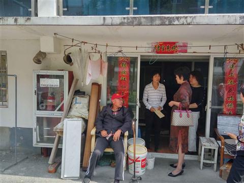 社会事业局领导来吴模村走访