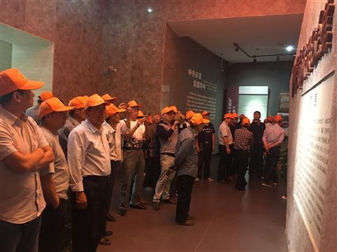 沧洲村组织党员干部赴泰兴黄桥参观学习