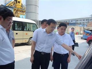 苏州市副市长王飏到吴江开发区巡河调研